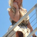 lindsay_lohan_nude-crotch_forgets_underwear